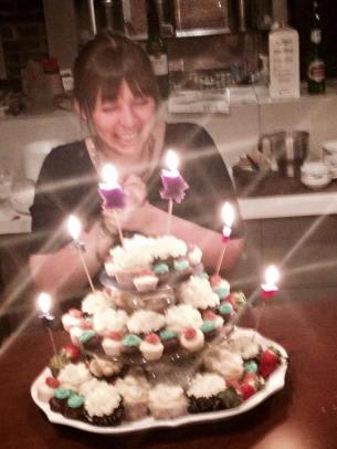 À mon anniversaire-surprise de 25 ans, organisé par des personnes qui me connaissent trop bien!